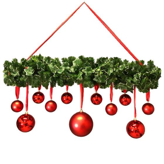 Rakt julhäng med dekor för juldekoration i butik